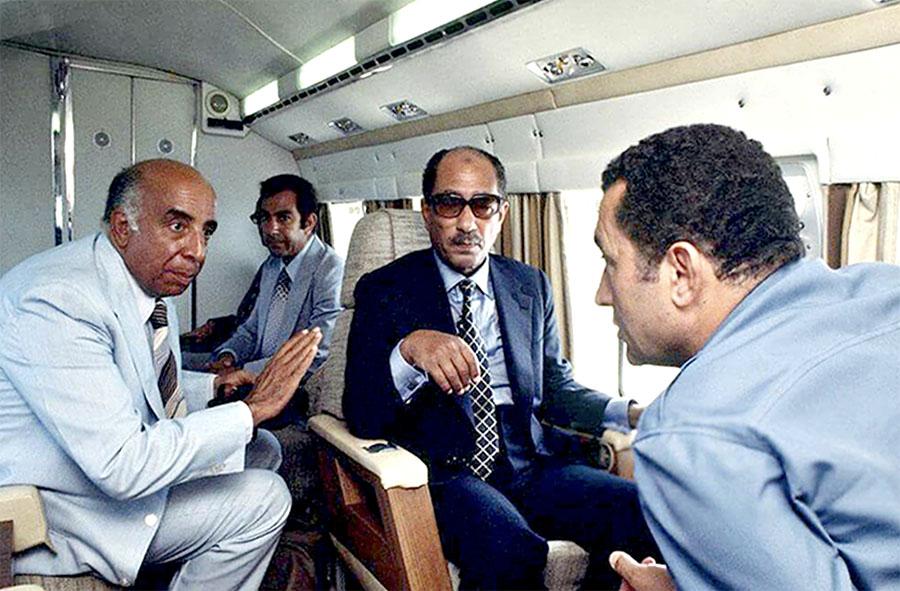 Photo of صندوق السادات الأسود … بالصور: فوزى عبد الحافظ