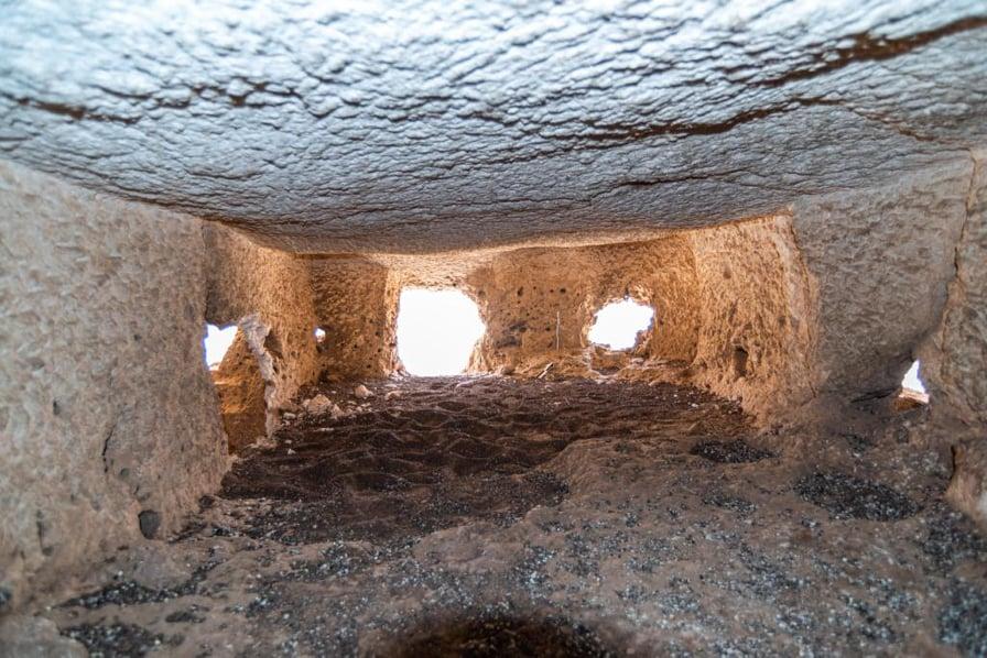 Photo of الأثار: الكشف عن مجموعة من الفتحات ترجع للعصر البطلمي غرب أبيدوس بسوهاج