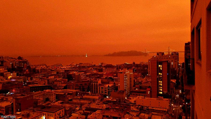 """Photo of """"السماء الحمراء"""" في كاليفورنيا.. ظاهرة تشعل الإنترنت"""